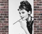 Audrey Hepburn. Фото знаменитостей. Можно сделать в рамке или на планшете под лаком, цена зависит от размеров. Размер 60х45 см. (можете присылать свои фото) цена 10 у.е.