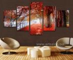 Autumn landscape, the size of 100x155 cm. цена 35 у.е. Модульные картины сделаны на панелях МДФ, они легкие, крепкие и безопасные в отличии от картин на стекле (стекло хрупкое, тонкое и тяжелое, картины сильно блестят, дают отражения как в зеркале, картину плохо видно и у них дешевый вид, так же стекло это хрупкий и опасный материал) на стекле делают потому что это дешево и быстро. Картины на орг стекле и акриле тоже имеют свои минусы, они мутнеют со временем и выделяют вредные вещества в теплое время. Даже самая качественная печать со временем выцветает, она становится бледной, а солнечный свет только ускорит этот процесс, поэтому наши картины покрываются защитным лаком, другие производители после печати делают ламинацию (эта пленка делает картину не резкой и не защищает от солнечного света) Наши картины и фото всегда яркие, резкие не боятся воды и долгие годы будут радовать вас. Из-за отсутствия блеска матовые картины выглядят более сдержанно и очень солидно. (Вот что пишет дизайнер из компании Apple, я больше предпочитаю матовые картины, глянец и стекло категорически не приемлю, мой выбор обусловлен тем, что глянцевые картины дают сильные блики и на них смотришь как в зеркало, где видно помещение и твое изображение, матовые картины можно смотреть независимо от того как и откуда свет падает на нее)
