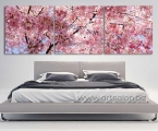 The decor of the walls in the sakura bedroom, size 60x185 cm