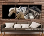 3 horses running1. Размер 50х150 см. цена 30 у.е. (Размер каждого модуля 50х50 см)