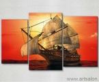 Корабль на фоне красного заката