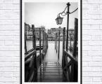Venice-Black-and-white-80x60-sm Картины фото и постеры можно оформить в рамки из натурального дерева, тонкие хай тек, строгие прямые или фигурный багет, цвета любые. Можно сделать печать на холсте (холст натягивается на подрамник и вставляется в рамку, второй вариант, холст натягивается на подрамик, края загибаются и так картина вешается на стену, вариант планшет- это вид легкой мебельной плиты, толщина 20 мм (оригинальный вид когда фон натуральное дерево и на нем изображение) Любые фото можно сделать как модульное панно, после печати все работы покрываются защитным лаком (картина без лака со временем выцветает и тускнеет, лак защищает от воздействия солнца, яркого света и ультрафиолета) Картины можно украсить стразами, вы так же можете заказать картины красками ручной работы. Наши работы выглядят красиво и солидно, они не такие опасные как картины на стекле (стекло тонкое, тяжелое, имеет дешевый вид, сильно блестит, дает отражения как в зеркале, там видны сильные блики, тени, отражение света, детали на картине плохо видны и надо помнить, что стекло это хрупкий и опасный материал!) пишите нам artpost@bk.ru Telegram, WhatsApp (99890) 975-10-05